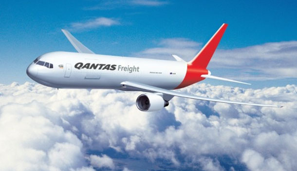 Qantas splits into separate international and domestic operations